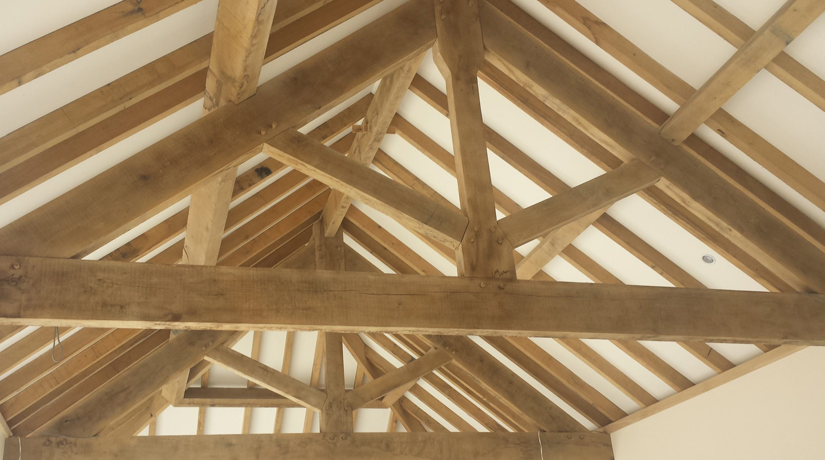 OAK FRAME TRUSSES